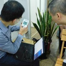 Installation der ersten Raumklimamessgeräte in Hanoi im CAMaRSEC Projekt Dirk Schwede